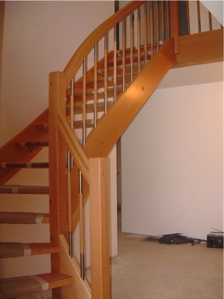 kostenvoranschlag f r eine 1 4 gewendelte massivholztreppe. Black Bedroom Furniture Sets. Home Design Ideas
